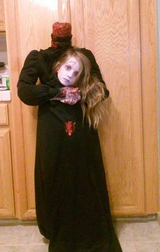 35 of the Best Halloween Costume ~ creative halloween costumes, DIY homemade halloween costumes, cool scary girl severed head anne boleyn